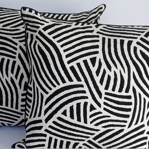 """Havertys Sussex 22""""x22"""" Accent Pillows Set Of 2"""